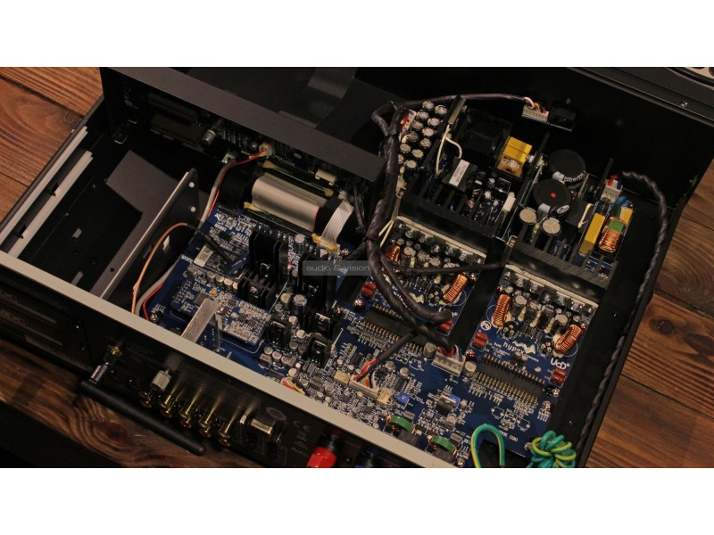 NAD C388 Hybrid Digital DAC Amplifier